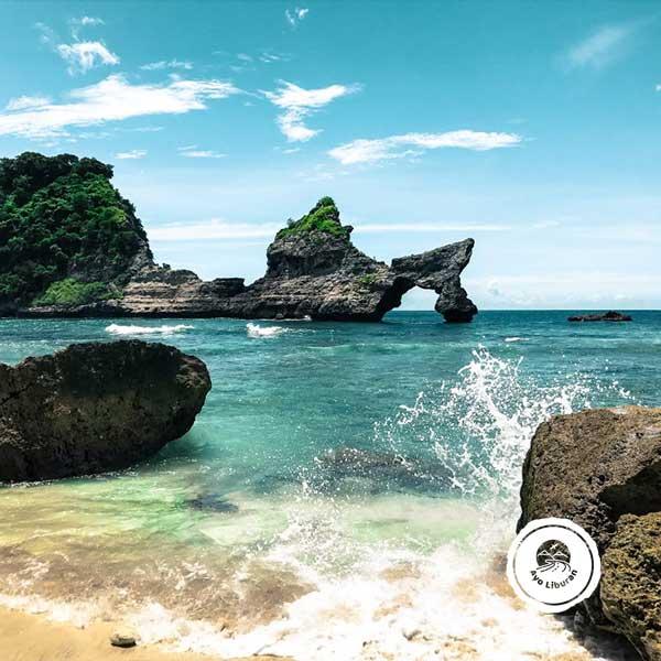 Atuh-Beach-Nusa-Penida
