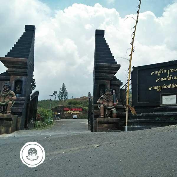 Pura-Giri-Arjuno-Malang-1